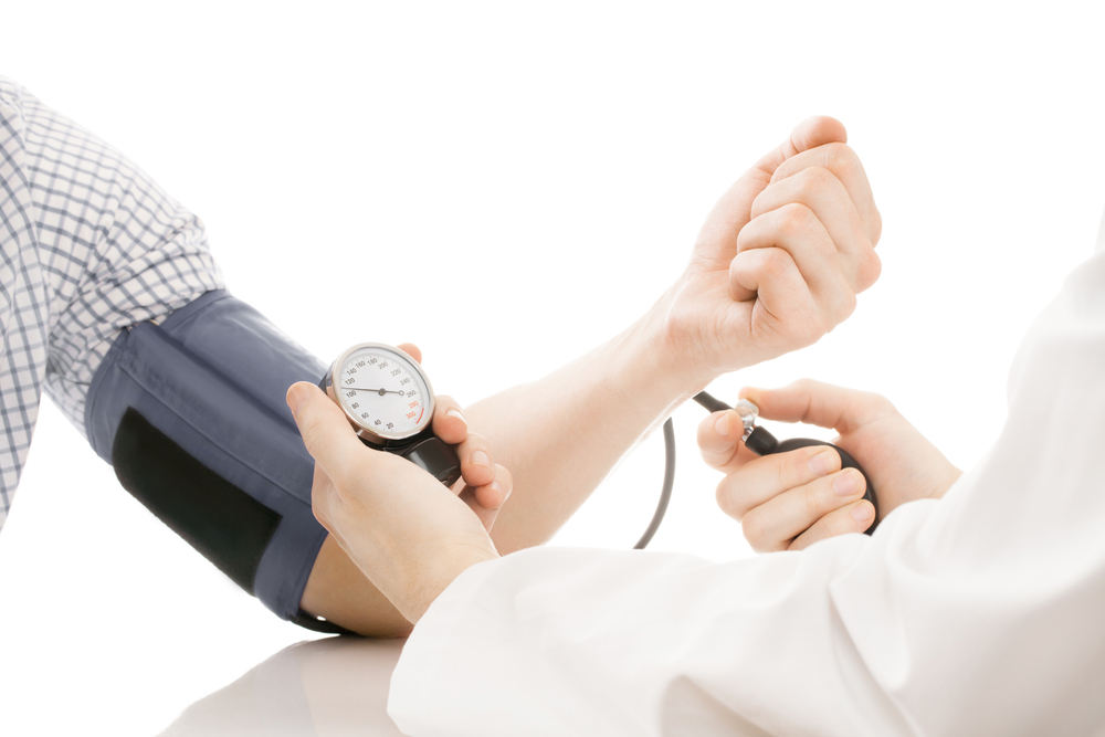 カルシウム不足は高血圧の原因!? 血圧とカルシウムの関係性